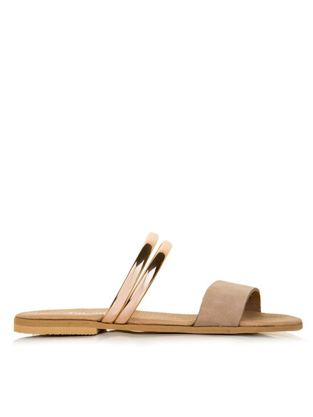 Sandals in beige colour