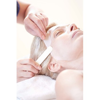 GIFT VOUCHER: REGENERATING COLLAGEN MASK TREATMENT by VALMONT