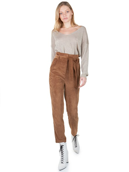 High waist carrot trousers