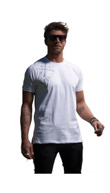 T-Shirt with logo on shoulder