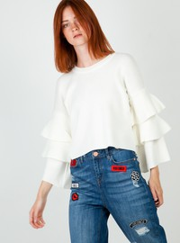 Knit crop top with ruffles