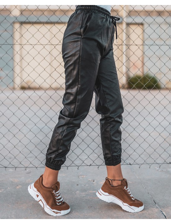 Pants with sneakers