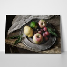 Plate of fruits 127161503 a