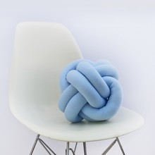 Knot pillow baby blue b