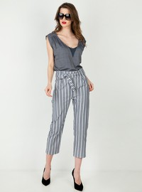 Striped trousers with ribbon