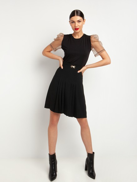 Skirt with box pleat details