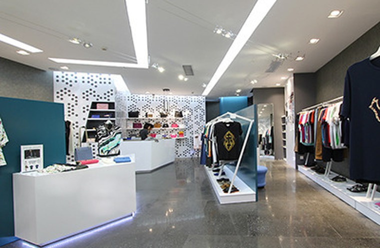 The new 1/2 shop store in Shenzhen