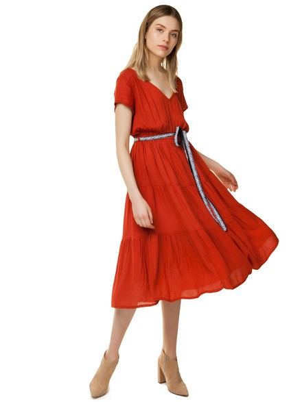 Midi dress with ribbon