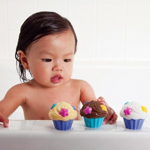 Cupcake bath squirters