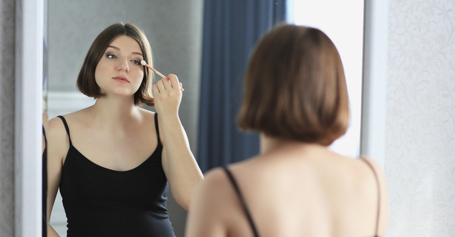 2be7719731882 Wearing make-up during pregnancy linked with lower IQ in children