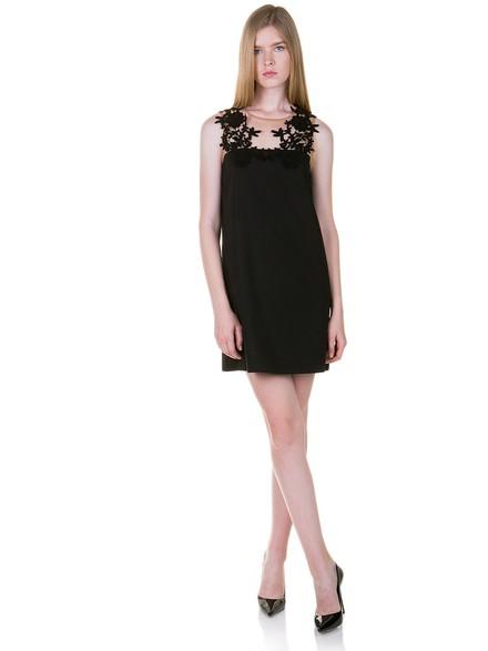 Φόρεμα με σχέδιο από δαντέλα στην τιράντα 60608b8d60c