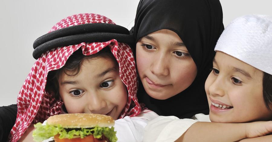 نتيجة بحث الصور عن التقليل من تناول الوجبات السريعة طفلك