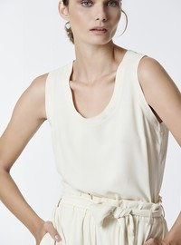 SLEEVELESS TOP IN RELAXED FIT
