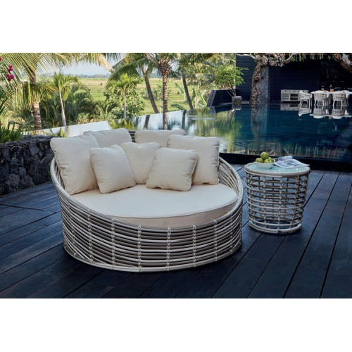 Villa daybed